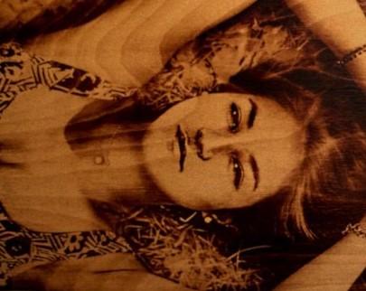 портрет на дереве на заказ в Самаре